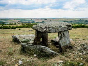 5. Dolmen in the North (12)-23