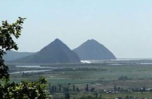 Nakhodka Pyramids